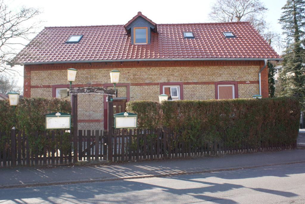 Vermietet! – Traditionsreiches Restaurant & 2 Wohnungen – in Mz-Gonsenheim